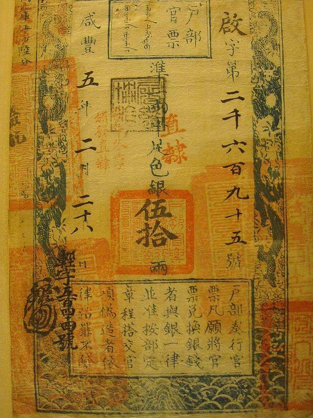 2. Kağıt para ise ilk olarak 910 yıllarında Çin'de basıldı.