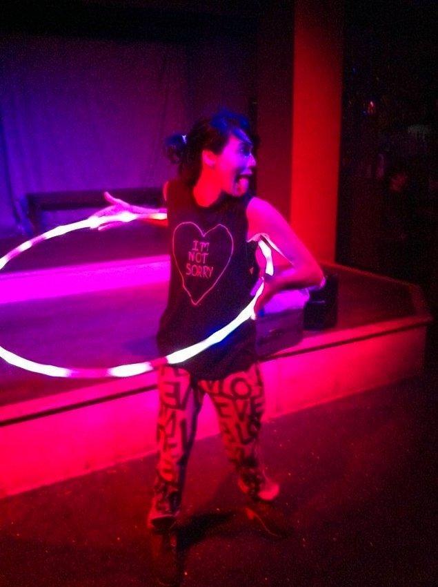 Cersei ve hula hoopu