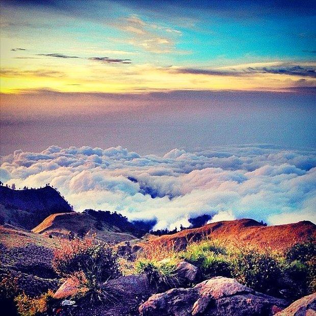 İnanılmaz Güzellikteki 25 Bulutlarla Kaplı Mekan