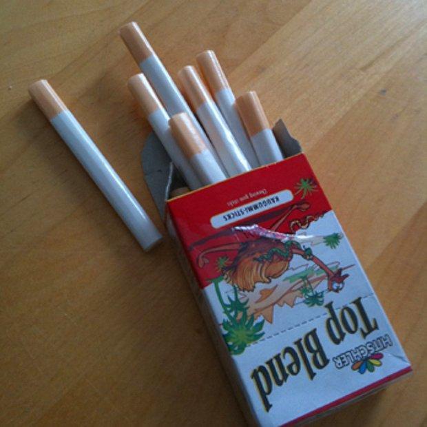 Sigara şeklinde şeker