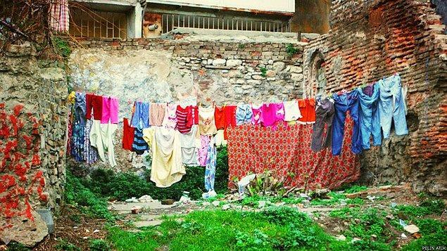 11. Gecekondular çamaşır ipleriyle özdeşleşmiş gibidir.
