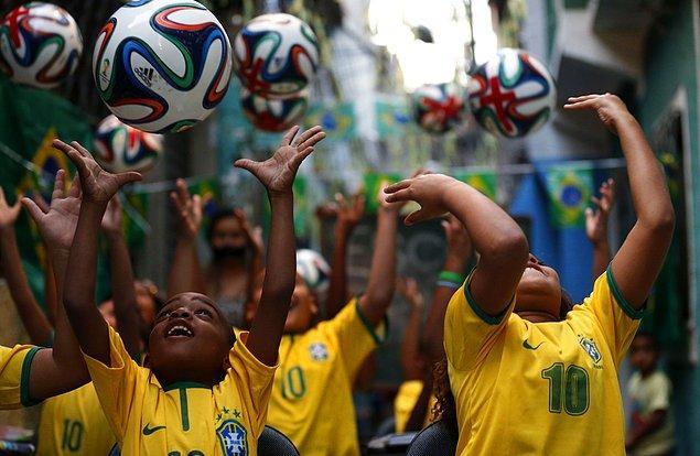 2) Dünya Kupası Brezilya ekonomisine 70.1 milyar dolar katkı sağlayacak