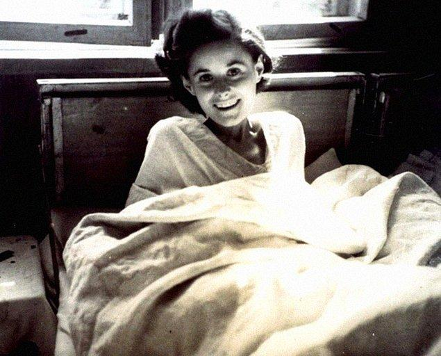 14. Sevinç;  1945 yılında esaretten kurtulan bir kadın.