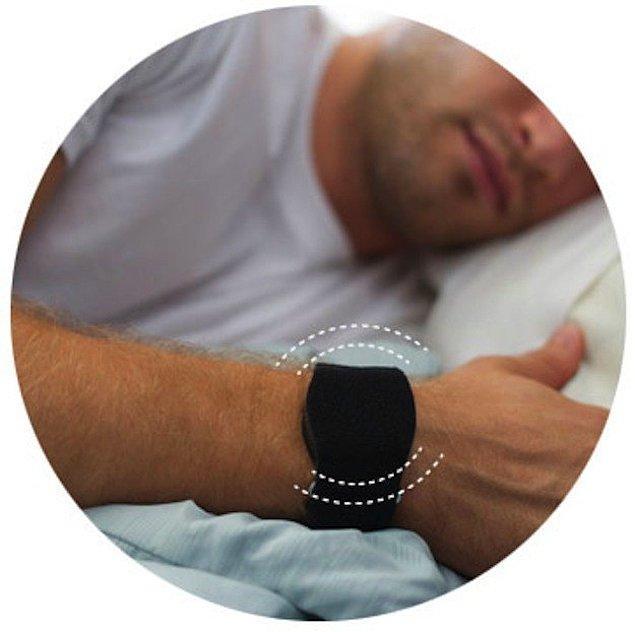 4. Eğer yanınızda uyandırmamanız gereken birisi yatıyorsa, sessizce titreşen kol alarmlarından kullanın.