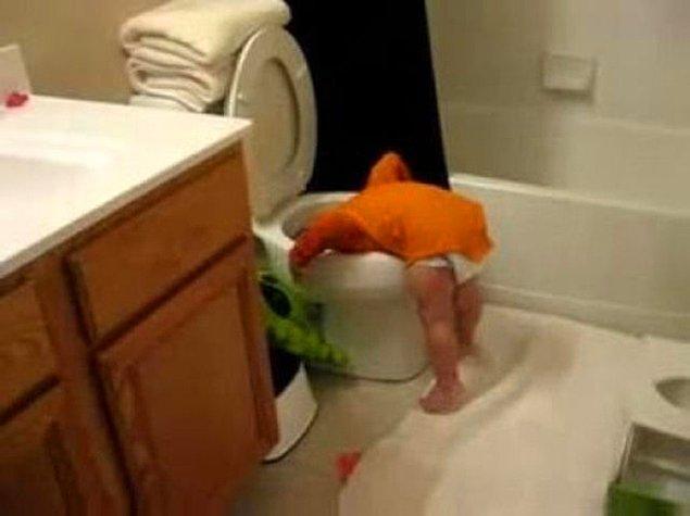 24. Kafaları tuvalettin içinde bulma olasılığınız çok yüksek.