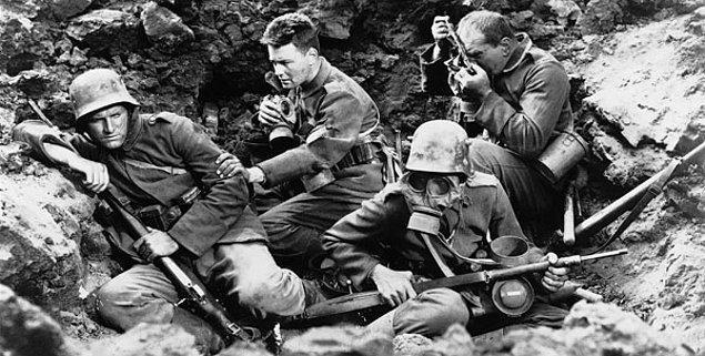 15. Batı Cephesinde Yeni Bir Şey Yok (1930)  | IMDb 8.1