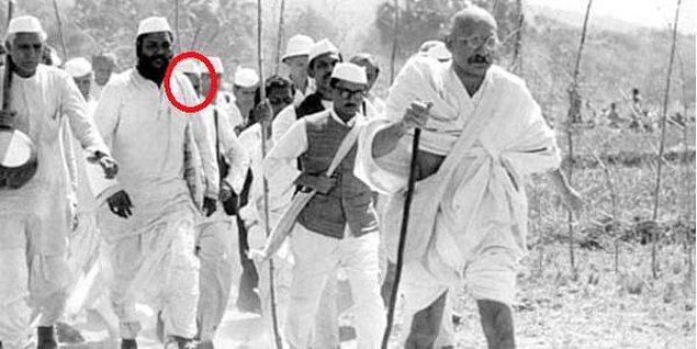 12. Davutoğlu Gandhi'nin Tuz Yürüyüşüne de Katılmıştı