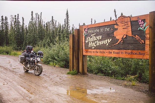 70. ''Her şeyi hesaba katarak, 17.700 kilometre ya da evimizden yolun sonuna kadar yol yaptık, gidip dönebileceğimiz en kuzey yer. Unutulmaz bir şeydi.''