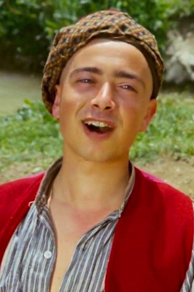 19. Keloğlan'dan sonra kolay kolay göremediğimiz oyuncu Rüştü Asyalı.