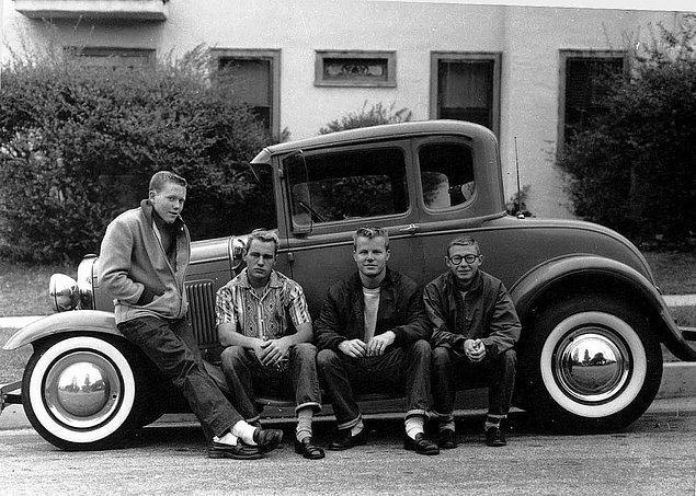 13. İlk arabasına sahip olan gençler.