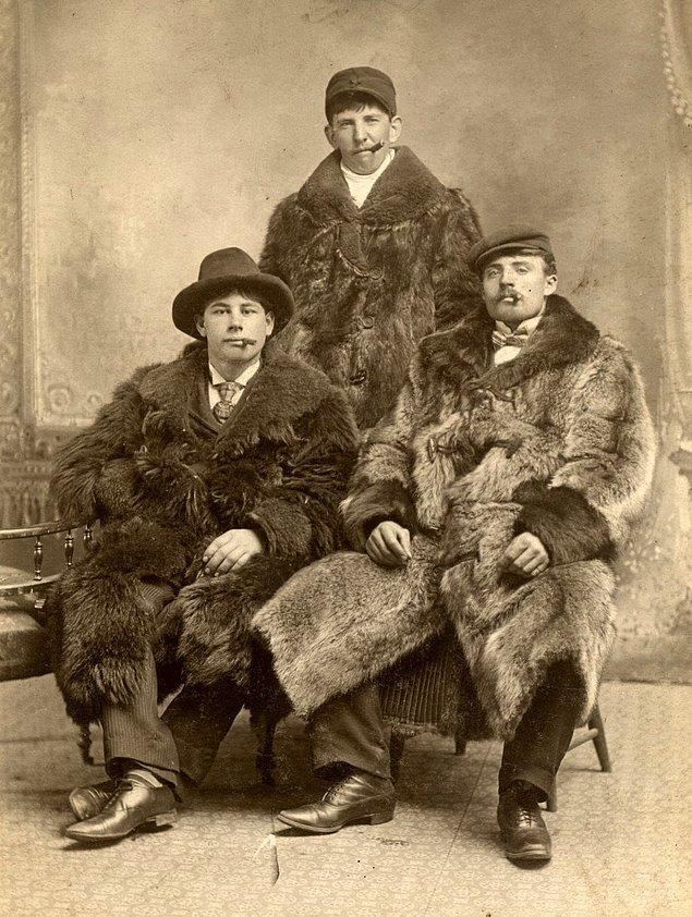 19. 1900'lerin başından bir aile fotoğrafı.