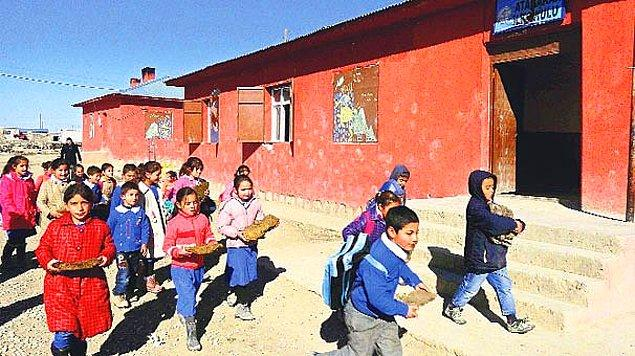 6. Ağrı'dan Bir Fotoğraf: 'Tezekli' Eğitim