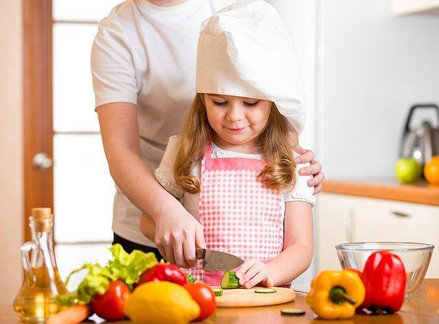 4. Babalar günününde onlar için erken kalkıp, saatlerce hazırladıkları sofrayı sunacakları bir babaları yoktur.