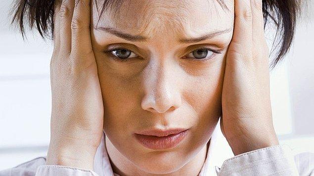 16. Kıskanç sevgilisi tarafından her gün işten alınan ve bundan utanan kadın.