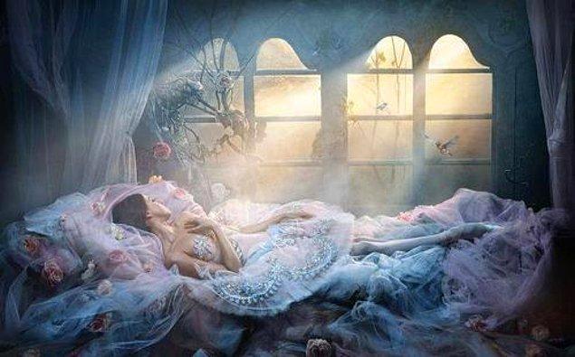 8. Hayallerimizde yarattığımız masalsı bir gerçeklikte yaşamayı tercih ediyoruz.