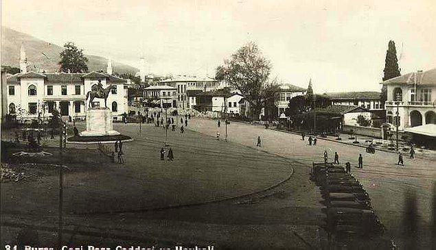 46. Heykel Meydanı