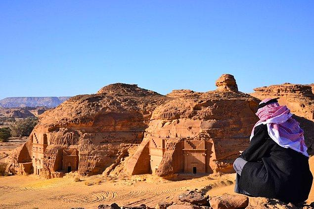 Madâin Sâlih is a UNESCO World Heritage site in Saudi Arabia. There are 111 monumental tombs from Nabataean civilization, built more than 20 centuries ago.