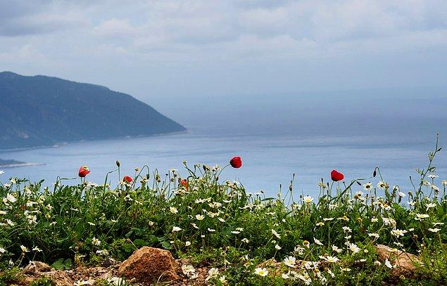 540 kilometer Lycian Way is on the south coast of Turkey. It takes 29 day to complete the whole route.