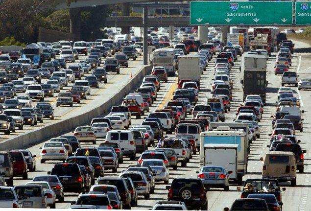 11. İstanbul, Ankara, İzmir'de ne çok araç var diyorsanız, Amerika'yı görene kadar bekleyin.