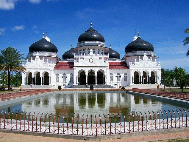 57. Baiturrahman Büyük Camii, Banda Aceh, Endonezya