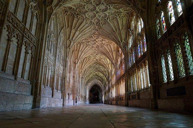 12. Gloucester Katedrali; Gloucestershire, İngiltere