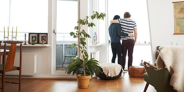 4. Lovebuddy'lik, özellikle başbaşa bulunan mekanlarda ki bunlardan ilki ev, daha çok beraber vakit geçirmeye ilerliyor.