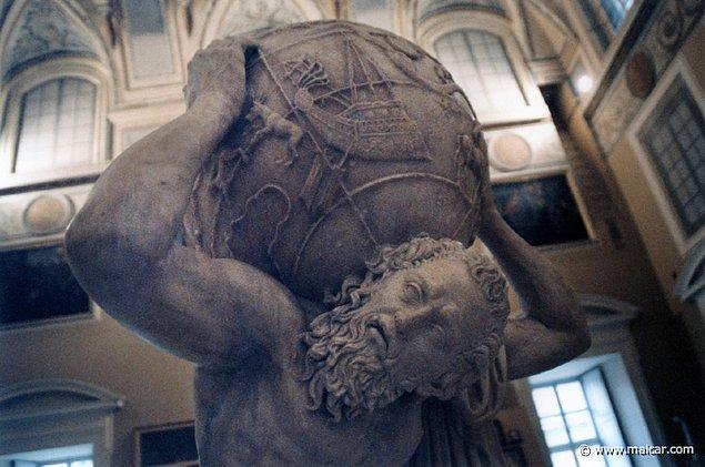 8. Atlas, yine gök kubbeyi sırtında taşıdığı sıradan bir günde 11. görevini yerine getirmek için Hesperides'e gelen Herakles ile karşılaşır.