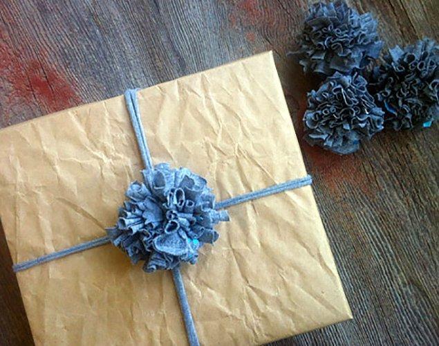 12. El yapımı hediyelerinizi ev yapımı bir hediye paketi ile süslemelisiniz.