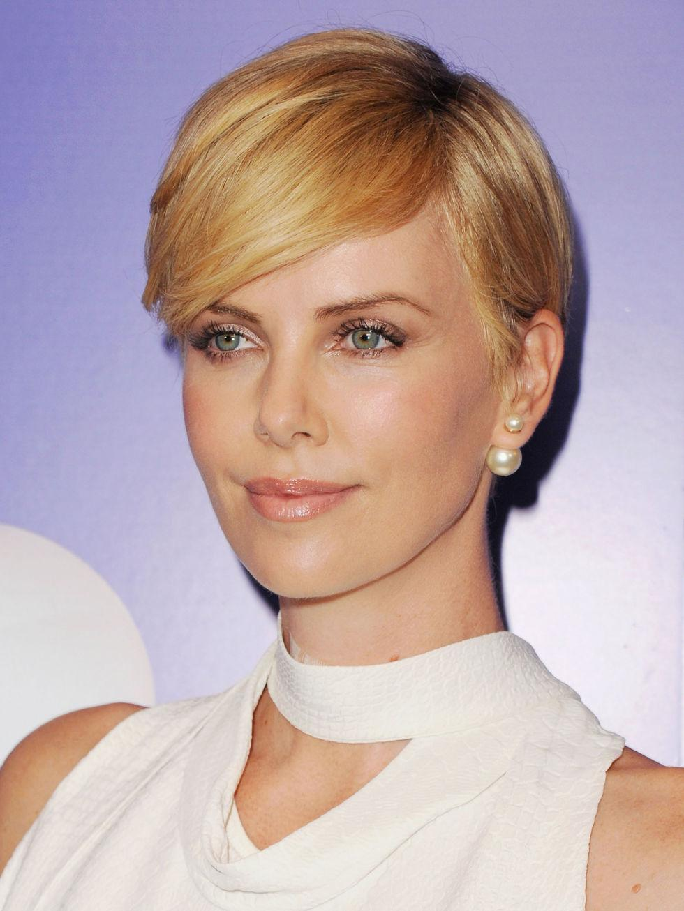 20 Women That Look Out Of This World With Short Hair