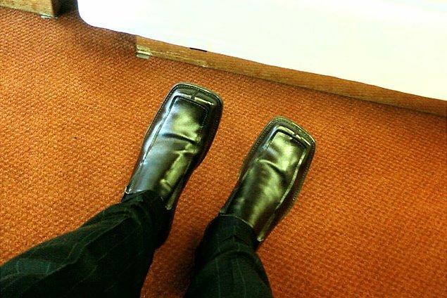 12. Asla ama asla köşeli burunlu ayakkabı giymeyin.
