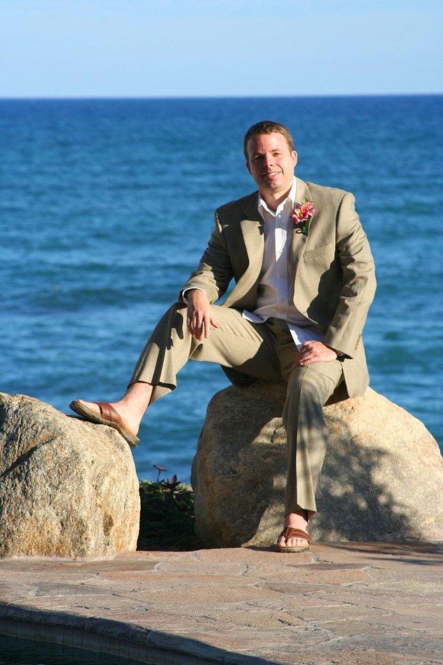 13. Parmak arası terlikler plajda giymek içindir.