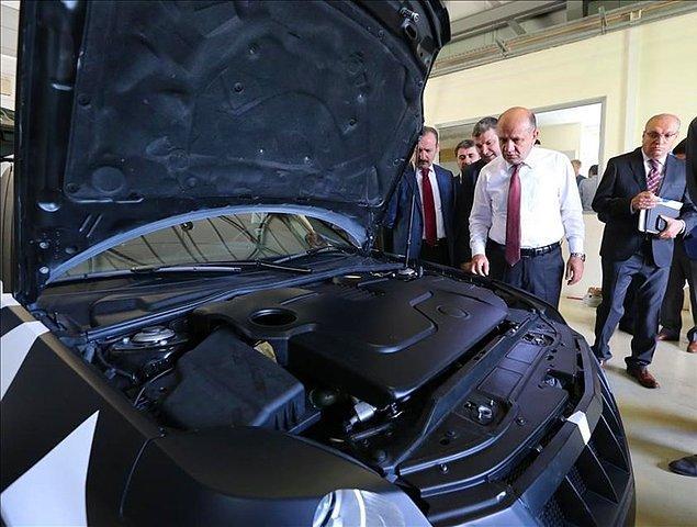 Uzun süredir beklenen yerli otomobil projesinden ilk görüntüleri Bakan Fikri Işık, bugün kamuoyuna sundu.