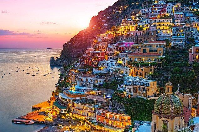 5. Positano, İtalya