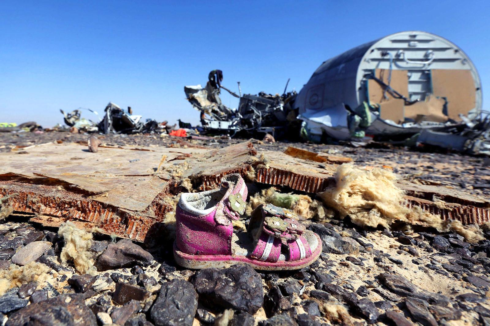 совету других фото людей с разбившегося самолета из египта бренда