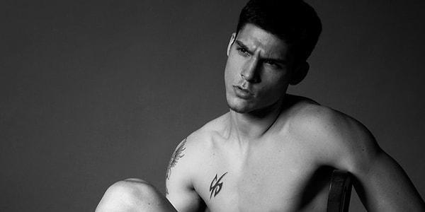 Сексуальные мужчины в татуировках