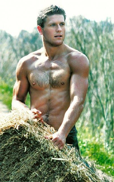Фото голых мужиков в деревне имеет