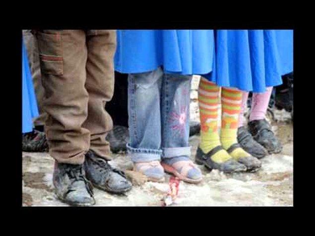 6. Ayağında ayakkabı olmayan bir çocuğa, maaşından arttırıp ayakkabı alabilmektir. Devletin sana verdiği o maaşı çocuklar için harcayabilmektir.