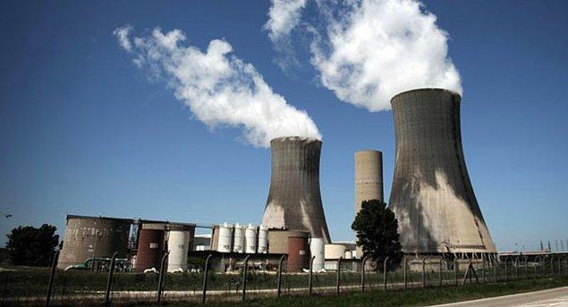 6. Elektrik üretimi rakamlarına bakarsak, Türkiye'nin 194.4 milyar kilovatsaatlik üretiminin, 72 milyar kilovatsaati doğalgazla çalışan santrallardan geliyor.