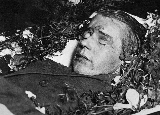 7. Stalin'in yorgun düşürdüğü bir değer: Sergey Yesenin