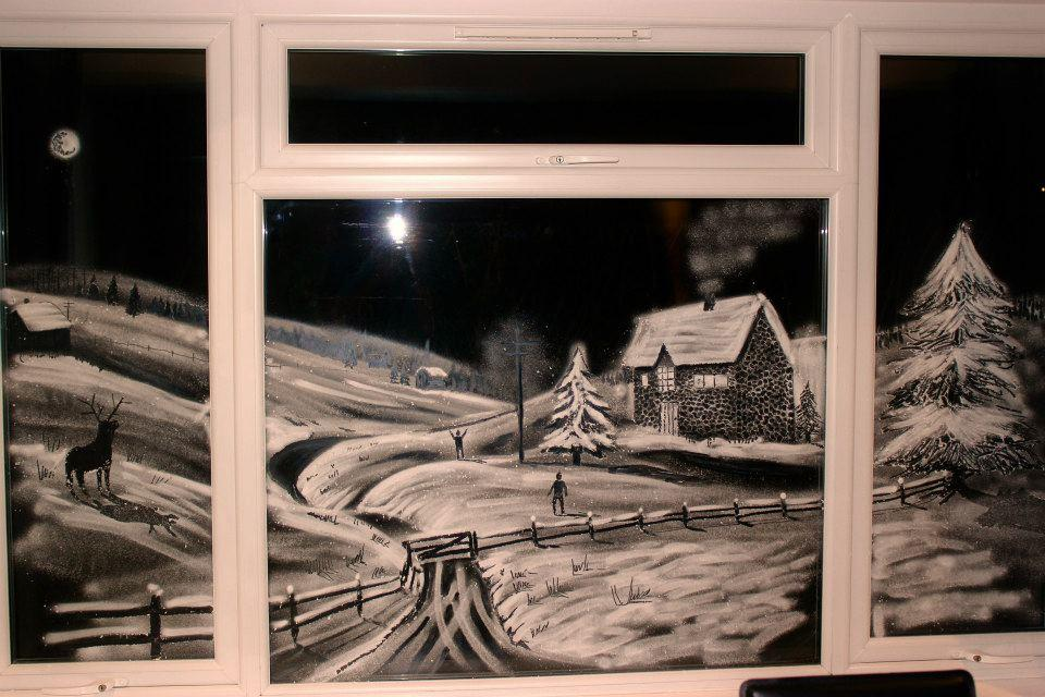 рисунок на стеклах снегом получения
