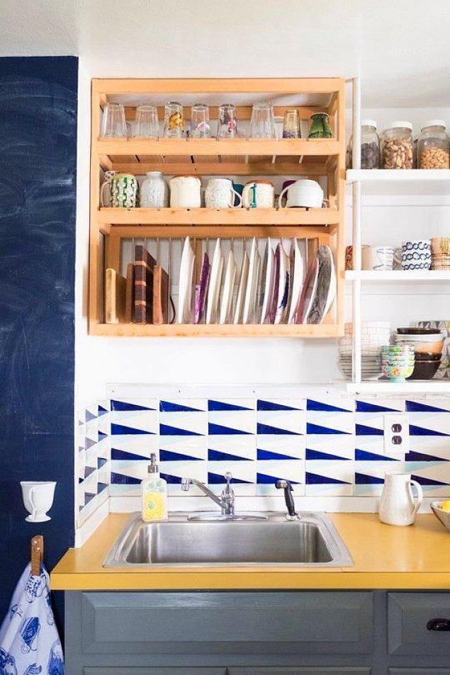 20. Tezgahınız yeterince büyük değilse bulaşıklığınız duvarda da güzel duracaktır.