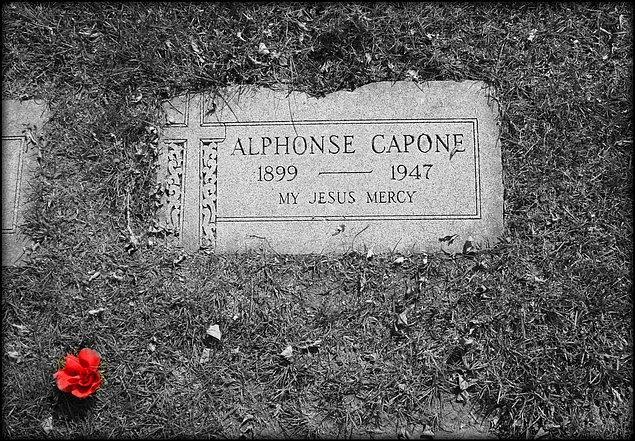 15. Metresine frengi teşhisi konulmasına rağmen iğneden korktuğu için yıllarca kontrolden kaçtı.