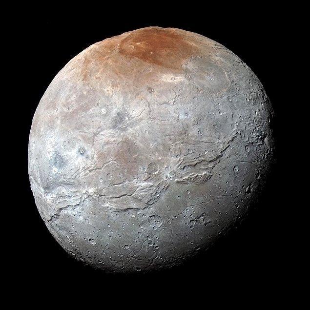 44. Plüton'un uydusu Charon
