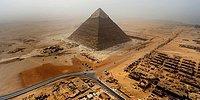 Молодой человек не побоялся попасть в тюрьму и забрался на египетские пирамиды