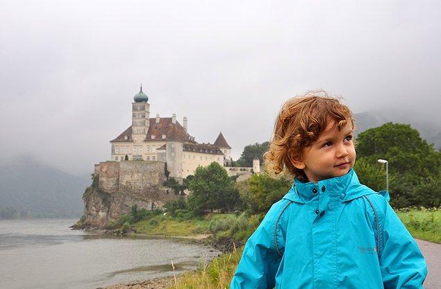 15. Avusturya'da minik prensimizin şatosu çıkıyor karşımıza.
