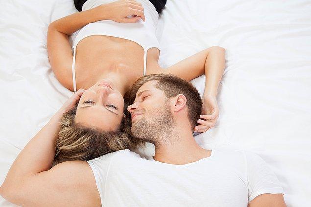 8. Bir çiftin sağlıklı bir cinsel hayatı olmasının en iyi yolunun, iki tarafın da istekleri ile ilgili dürüst davranması olduğunu unutmayın.