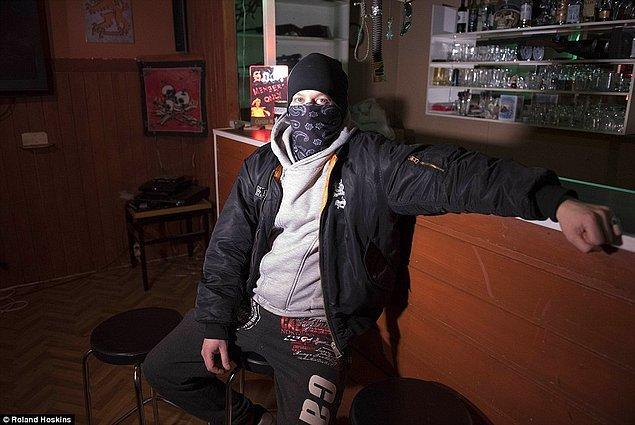 Polis ise çete elemanlarının herhangi bir suça karışmadıkları sürece sokaklarda dolaşmasının yaptırımı olmadığını söylüyor.