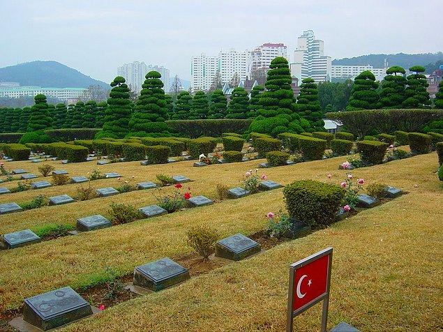 12. Pusan'daki Türk şehitliği... Kore Savaşı'nda 741 şehit vermiştik.