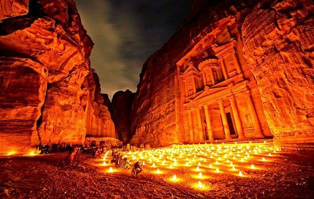 8. Petra Antik Kenti / Ürdün