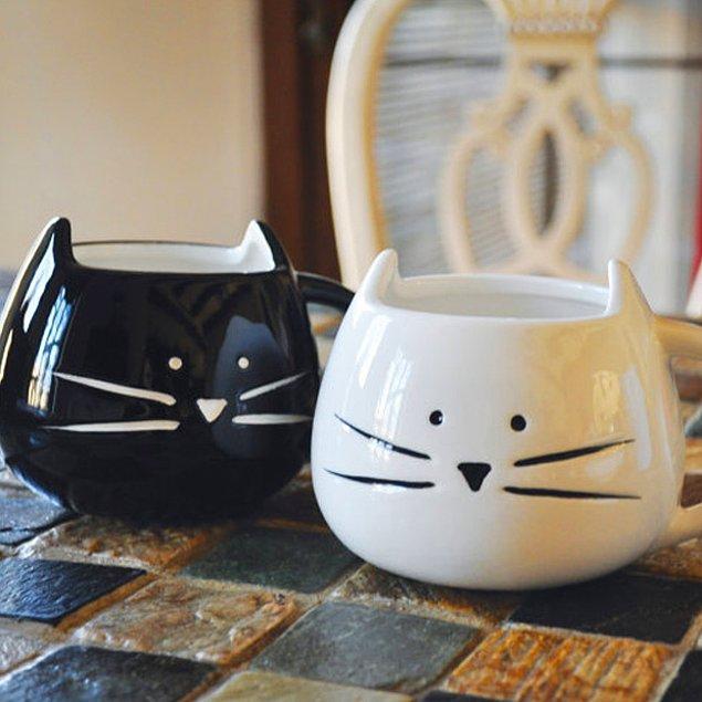 12. Kedi aşıkları için kupa